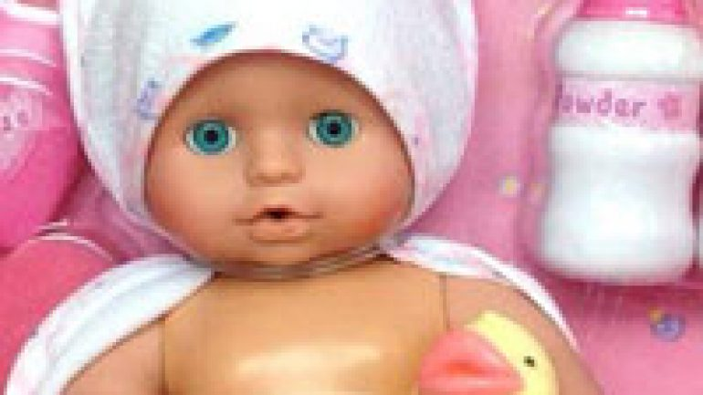 Rüyada Oyuncak Bebek Hediye Etmek