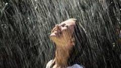 Rüyada Yağmurda Islanmak Ne Anlama Gelir, Neye İşarettir?